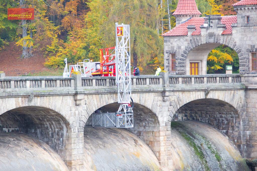 Inspekce hráze vodního díla Les Království